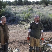 Breaking Bad: Aaron Paul e Bryan Cranston nell'episodio Dead Freight