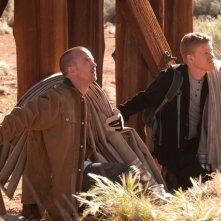 Breaking Bad: Aaron Paul e Jesse Plemons in una scena dell'episodio Dead Freight