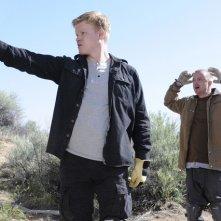 Breaking Bad: Aaron Paul e Jesse Plemons nell'episodio Dead Freight