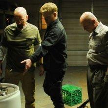 Breaking Bad: Bryan Cranston, Jesse Plemons e Jonathan Banks nell'episodio Buyout