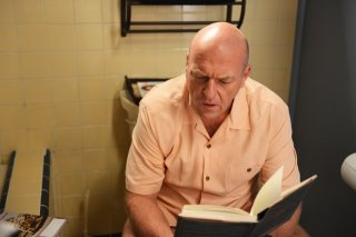 Breaking Bad: Dean Norris nell'episodio Gliding Over All