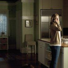 Revenge: Emily VanCamp nell'episodio Confidence della seconda stagione della serie
