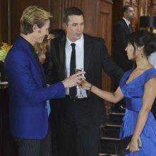 Revenge: Gabriel Mann, Barry Sloane e Dilshad Vadsaria nell'episodio Illusion della seconda stagione della serie