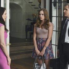 Revenge: Madeleine Stowe, Christa B. Allen e Henry Czerny nell'episodio Forgiveness della seconda stagione della serie
