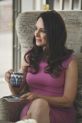 Revenge: Madeleine Stowe nell'episodio Forgiveness della seconda stagione della serie