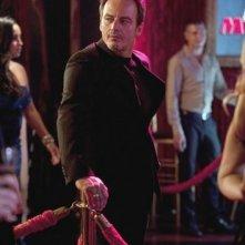 Revenge: Salvator Xuereb nell'episodio Lineage della seconda stagione della serie