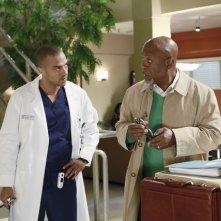 Grey's Anatomy: James Pickens Jr. e Jesse Williams nell'episodio Second Opinion, della nona stagione