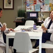 Grey's Anatomy: Justin Chambers e Sandra Oh nell'episodio The End is the Beginning is the End, della nona stagione