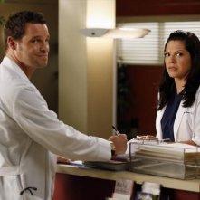 Grey's Anatomy: Sara Ramirez con Justin Chambers nell'episodio I Was Made for Lovin' You, della nona stagione