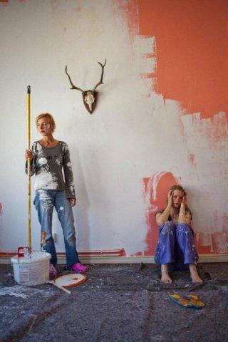 Stephanie Stremler e Susanne Lothar nel drammatico Staub auf unseren Herzen