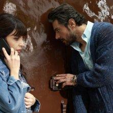 Il clan dei camorristi: Giuseppe Zeno e Claudia Potenza in una scena della fiction
