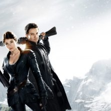 Gemma Arterton e Jeremy Renner in Hansel and Gretel: Witch Hunters - una foto promozionale