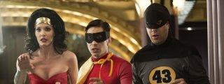 Leslie Bibb, Justin Long e Jason Sudeikis in Comic Movie