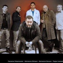 Un'immagine promo di TAKE FIVE In foto il regista Guido Lombardi e i protagonisti: Salvatore Ruocco, Peppe Lanzetta, Carmine Paternoster, Salvatore Striano, Gaetano Di Vaio