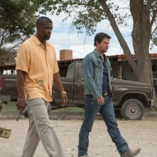 2 Guns: Denzel Washington e Mark Wahlberg nella prima immagine del film