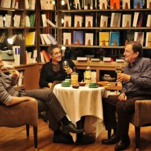 Amitiés sincères: Gérard Lanvin, Jean-Hugues Anglade e Wladimir Yordanoff riuniti attorno ad un tavolino