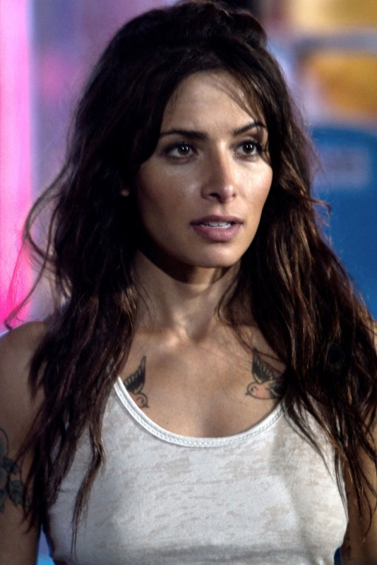Jimmy Bobo Bullet To The Head Sarah Shahi In Una Immagine Del Film 264283