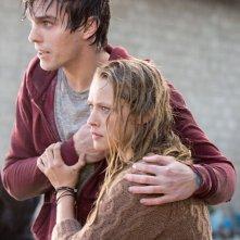 Warm Bodies: Nicholas Hoult e Teresa Palmer nel film del 2013