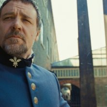 Les Misérables: Oscar Russell Crowe in una scena del film di Tom Hooper