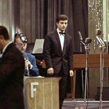 Sanremo 1962 - Tony Renis e davanti a lui, il maestro Gianni Ferrio