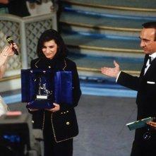 Sanremo 1993 - Laura Pausini tra Pippo Baudo e Lorella Cuccarini
