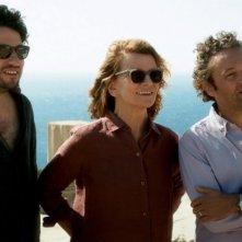 Eric Caravaca e Michaël Abiteboul in Tu honoreras ta mère et ta mère con Nicole Garcia