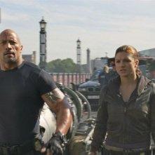 Fast & Furious 6: Dwayne Johnson e Gina Carano in una scena del film