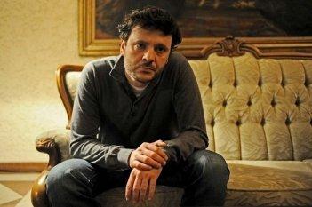 Child's Pose: Bogdan Dumitrache in una scena