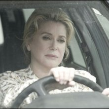 On my way: Catherine Deneuve in una scena del film