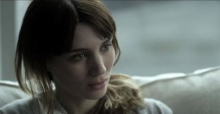 Side Effects: Rooney Mara in una scena del film