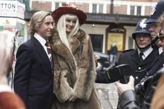 Steve Coogan e Tamsin Egerton in The Look of Love