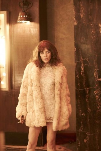 The Look of Love: Anna Friel in una scena