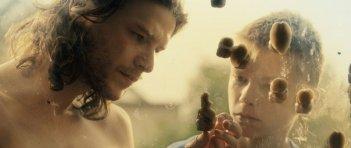 In the Name of: Mateusz Kościukiewicz con Sebastian Kuczynski in una scena del film