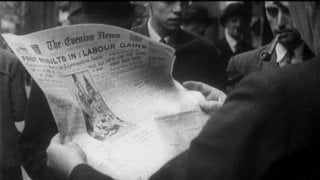 The Spirit of '45: un momento del film diretto da Ken Loach