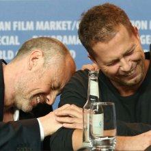 Berlino 2013: Fredrik Bond e Til Schweiger durante la conferenza stampa per The Necessary Death of Charlie Countryman