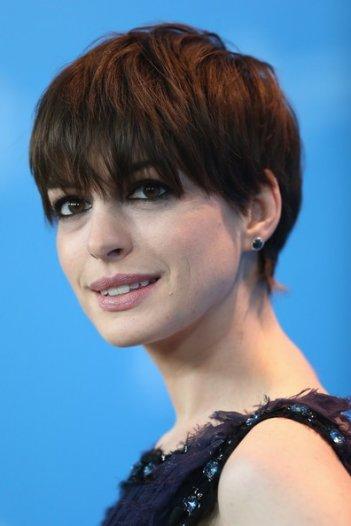 Les Miserables a Berlino 2013 - un'incantevole Anne Hathaway presenta il film