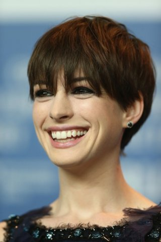 Les Miserables a Berlino 2013 - un'incantevole Anne Hathaway presenta il film di Tom Hooper