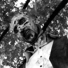 A Pezzi - Undead Men: Massimo Muntoni in versione zombie in una scena