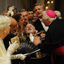 Il principe abusivo:  Christian De Sica e Marco Messeri in una concitata scena del film