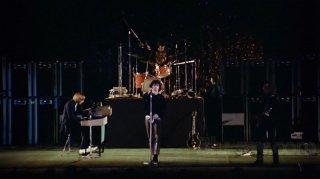 The Doors: Live at the Bowl '68 - il gruppo sul palco in una scena del film evento