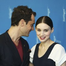 Berlino 2013: Jude Law e Rooney Mara presentano Side Effects