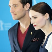 Berlino 2013: Jude Law e Rooney Mara presentano Side Effects.