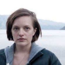 Elisabeth Moss in una scena di Top of the Lake