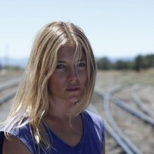 Just like a woman: Sienna Miller in un bel primo piano tratto dal film