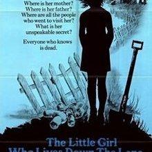 Quella strana ragazza che abita in fondo al viale: la locandina del film
