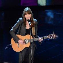Sanremo 2013: Carla Bruni durante la seconda serata