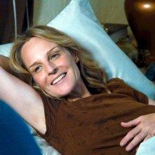 The Sessions - Gli appuntamenti: Helen Hunt in relax in una scena del film