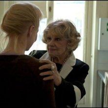 Une Estonienne à Paris: Laine Mägi (di spalle) insieme a Jeanne Moreau in un momento del film