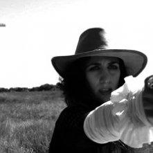 A Pezzi - Undead Men: Dafne Niglio in una scena