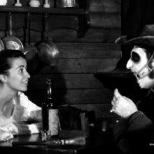 A Pezzi - Undead Men: Deborah Morese insieme a Marco Silvestri in una scena